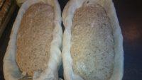Pâine cu maia pusă la dospit în banneton